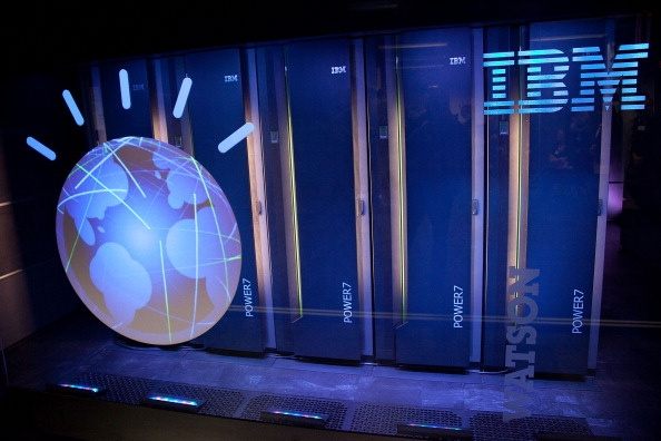 IBM banks on cloud and mobility to end losing streak