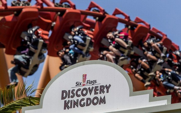 New Six Flags Theme Park To Open In Dubai In 2017
