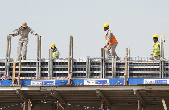Saudi to enforce midday work ban from next week