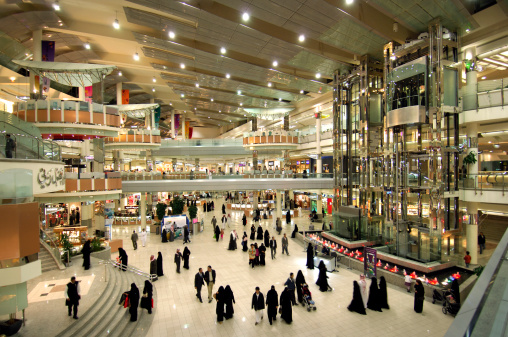 Only Saudi women can now work in female clothes, accessory stores in kingdom