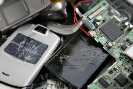 Can You Take Legal Action In The UAE If Your Phone Is Faulty?