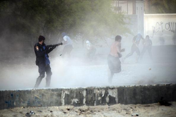 Police Fire Teargas, Birdshot At Bahrain Demonstrators