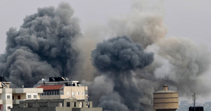 Gaza Shakes, Bus Explodes In Tel Aviv As Clinton Seeks Truce