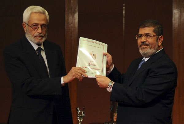 Egypt's Mursi Declares Referendum On Constitution
