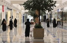 Saudi prepares inspectors as new restrictions on foreign retail jobs come into force
