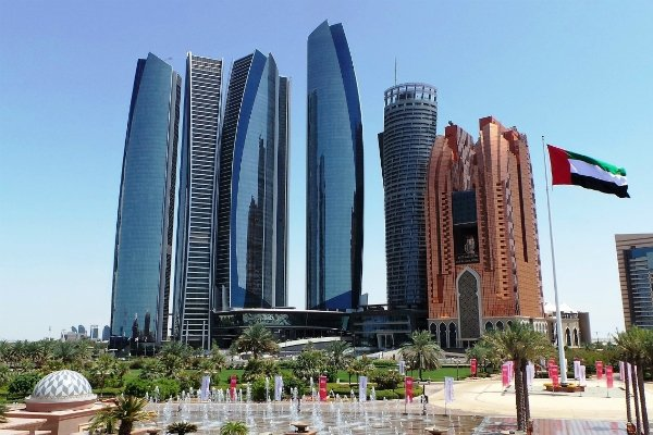 Abu Dhabi to exempt all new economic licences from local