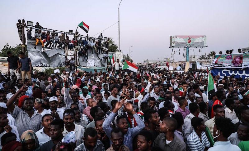 Saudi Arabia, UAE to send $3bn in aid to Sudan - Gulf Business