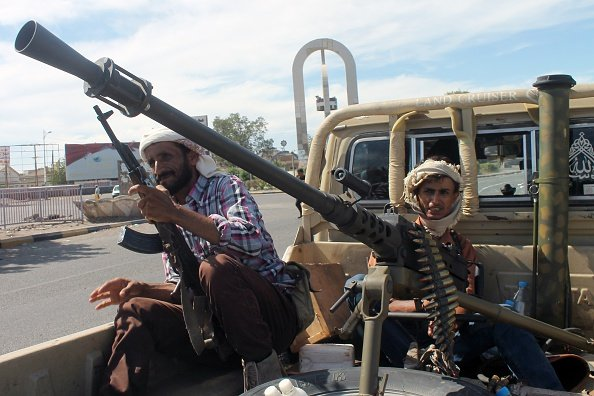 Saudi Arabia Mulling Land Operations On Yemen Border