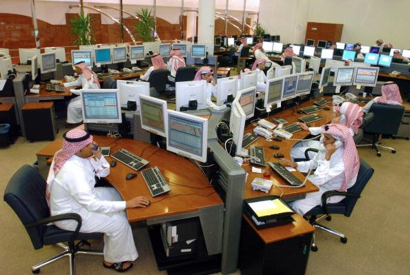 Saudi Arabia Replaces Public Sector Expat Workers