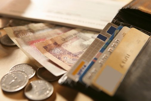 UAE residents finding it harder to get approval for new credit cards – report