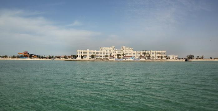 Best Western Opens Remote Bahrain Resort