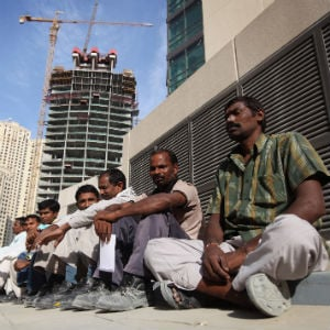 UAE Issues Midday Work Ban