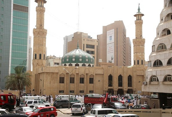 ISIL suicide bomber kills 27, wounds 227 in Kuwait mosque