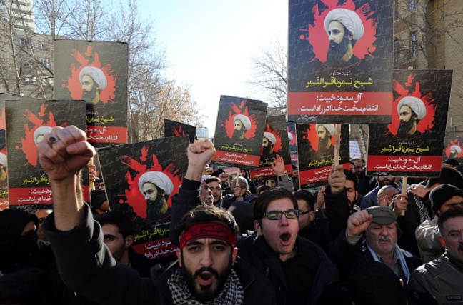 Iran bans import of Saudi goods as tensions escalate