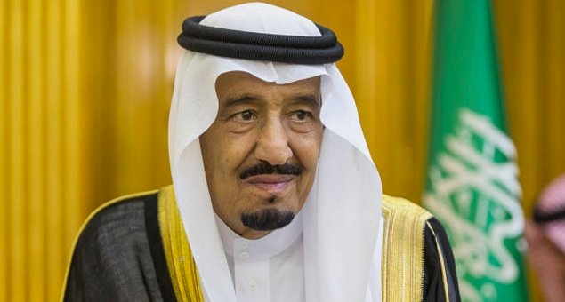 Saudi restores civil service and military allowances, replaces two ministers