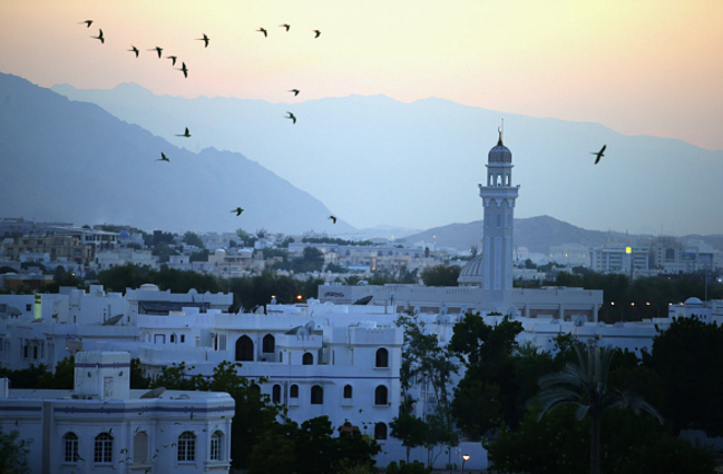 Oman seeks $2.6bn foreign loan as budget deficit reaches $8.6bn