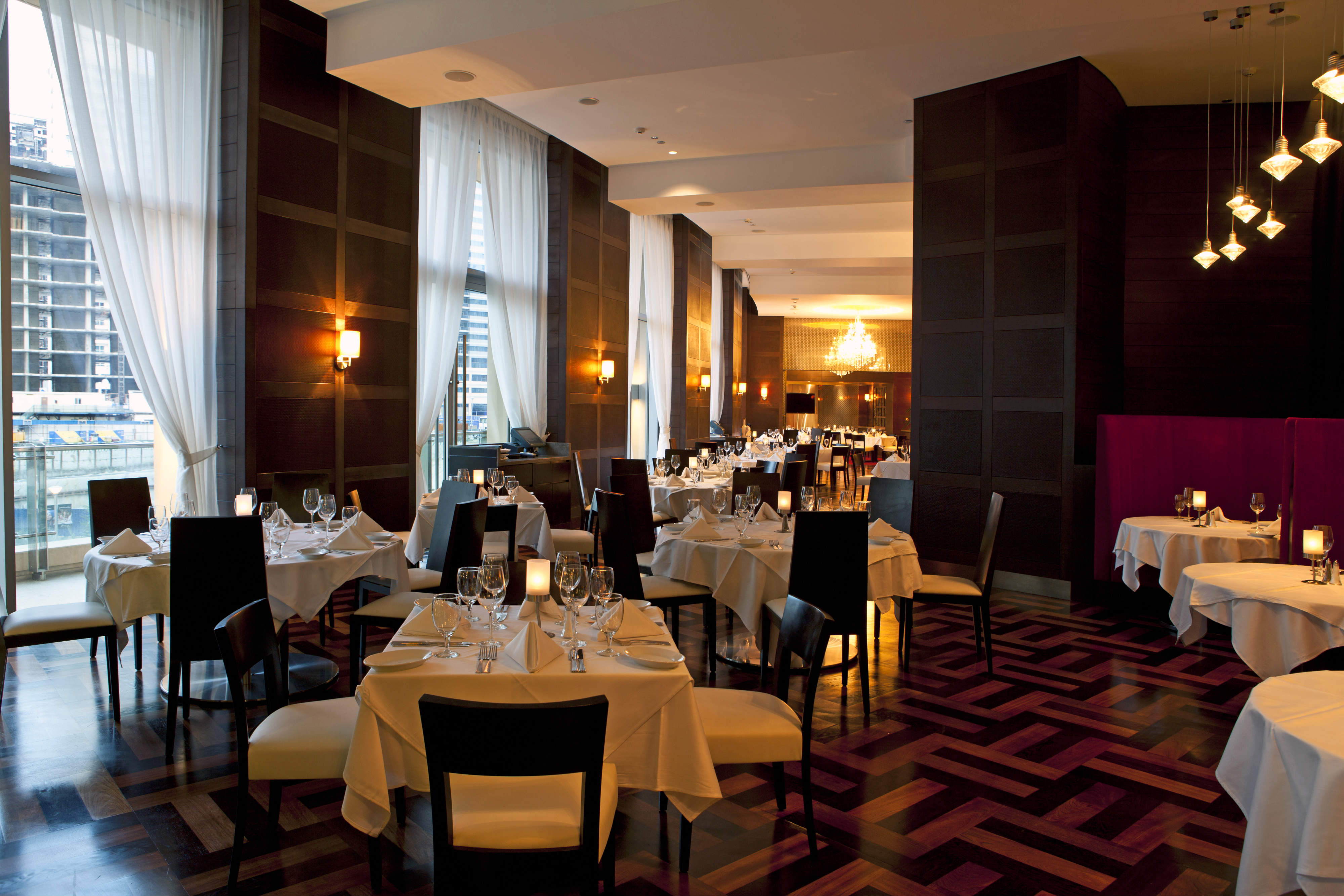 Ruth's Chris Steakhouse: Business Lunch Review