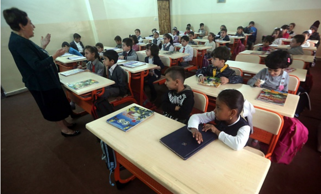 Kuwait education ministry denies dismissing 800 expat teachers