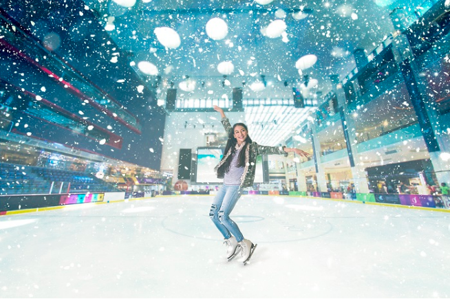 Dubai Mall's Ice Rink launches year-round 'snowfall'