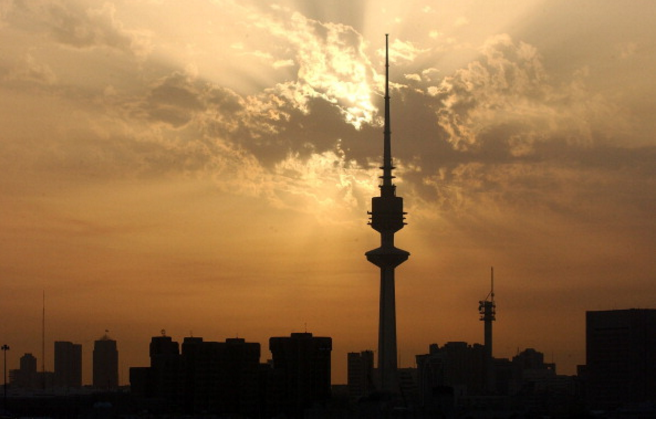 "Kuwait public sector to cut ""unnecessary"" expats"