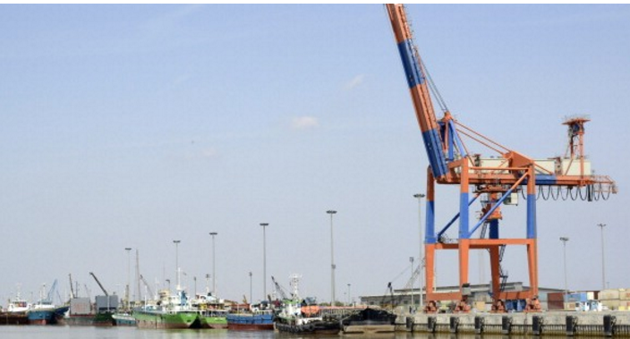 Oman's Salalah Port signs MoUs with two Iranian terminals
