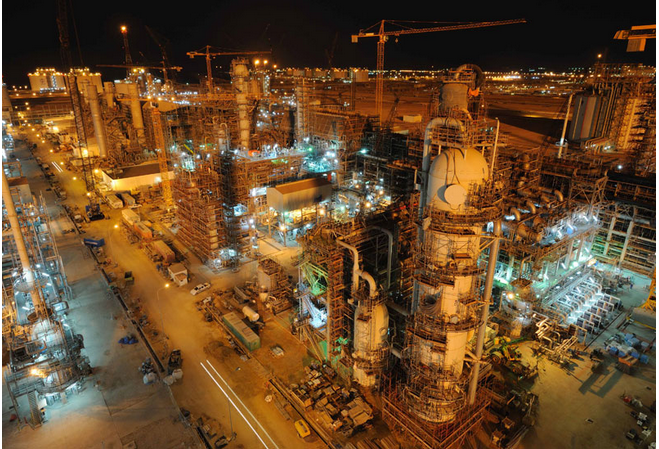 Qatar and Pakistan in long-term $16bn gas deal