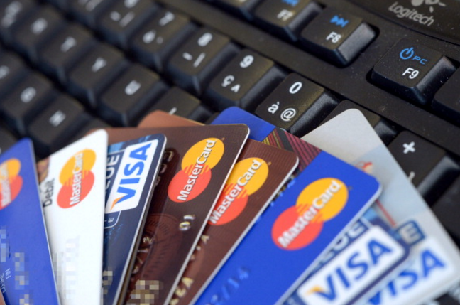 Over 60% of UAE residents unaware about credit card interest rates – survey
