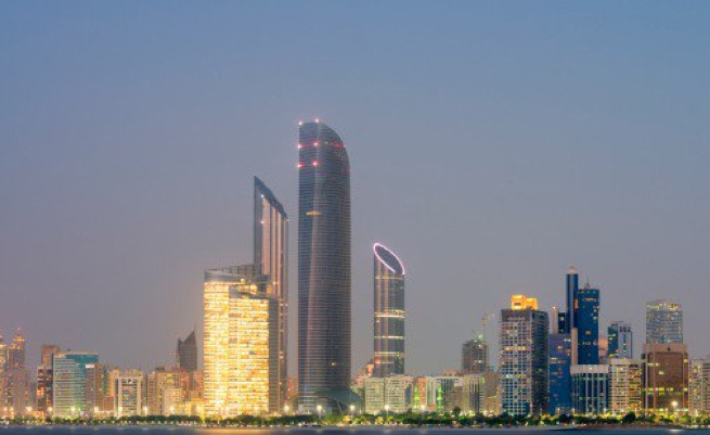 Oracle plans Abu Dhabi data centre, 250 regional hires