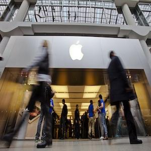 Apple Crushes Street Targets