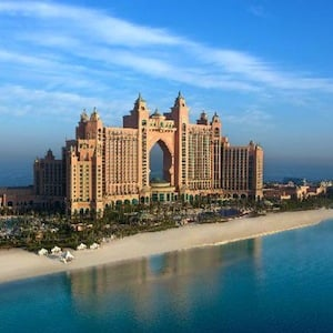 Kerzner Sells Stake in Dubai's Atlantis