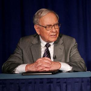 Buffett Chooses Successor