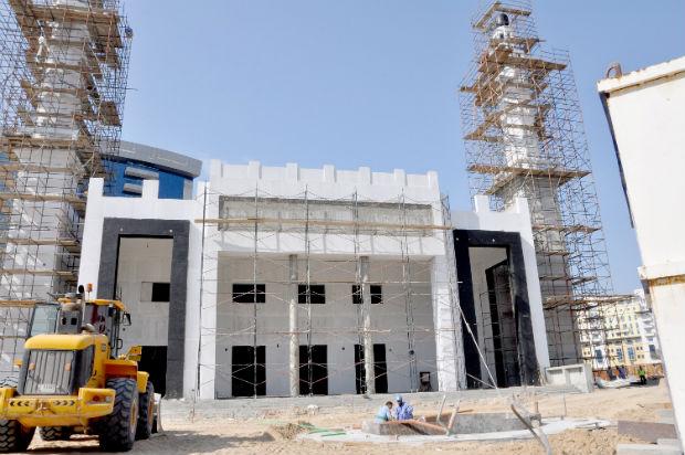 Dubai's Eco-friendly Mosque 85% Complete