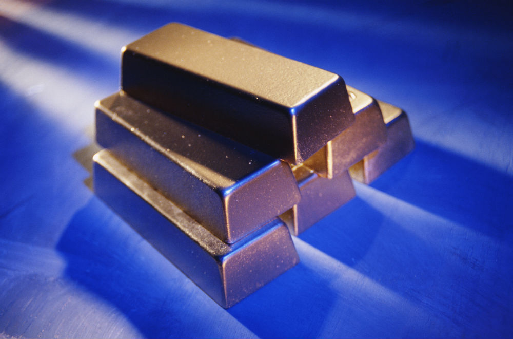 Gold Holds Slight Gains, But Firm US Dollar Weighs