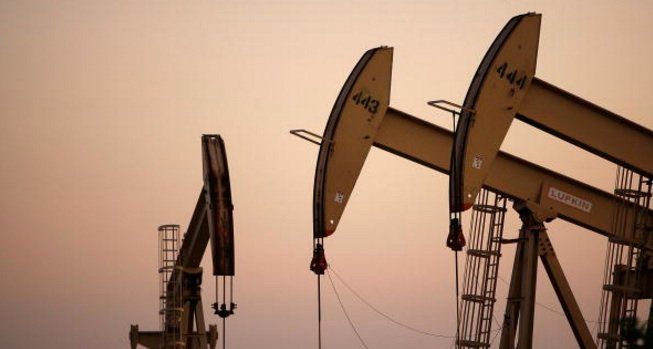 Oil Rises Strongly Supported by Cuts, Sanctions